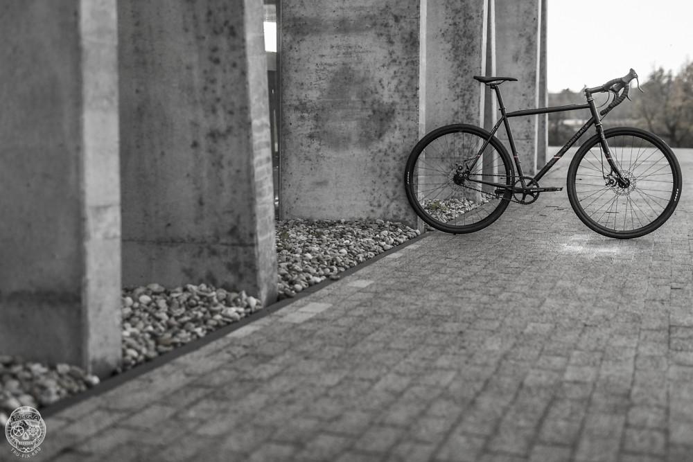 Bombtrack Arise Bike Check