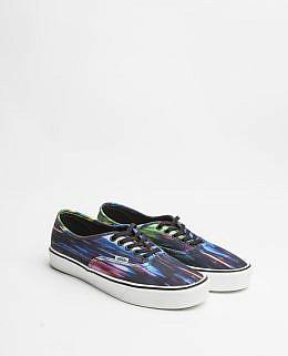 Product tags VANS streetwear skateboard skateboarding urban shoes